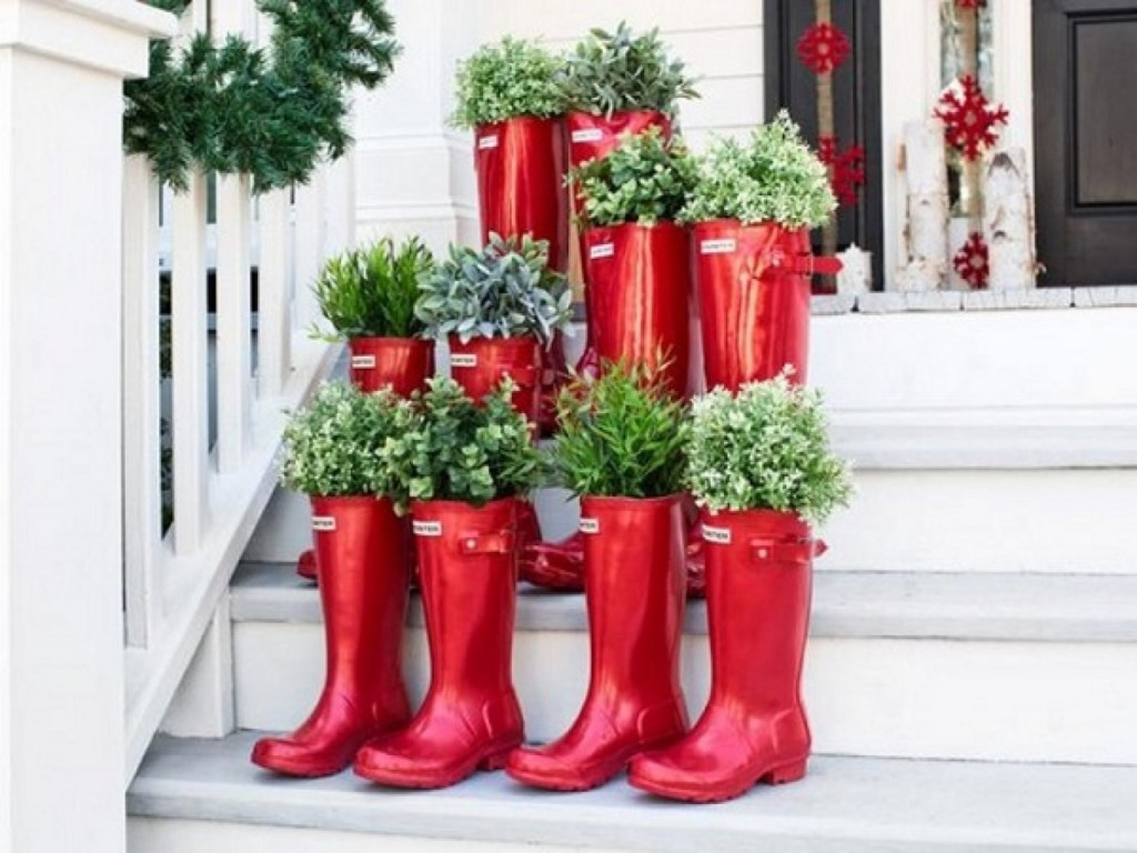 holiday interior decorating red boots