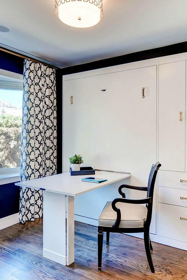 Benthaven Guest Room Desk Vertical