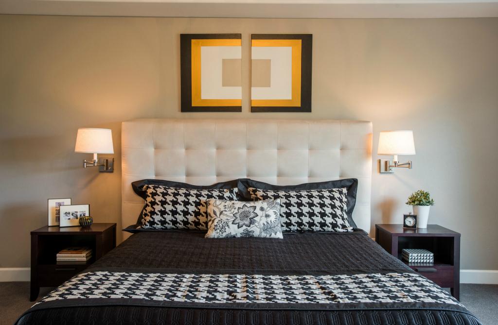 Denver custom bed