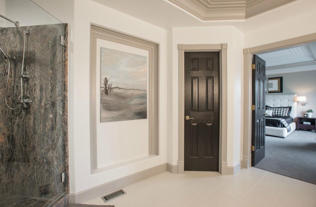 Denver luxury bathroom with artwork