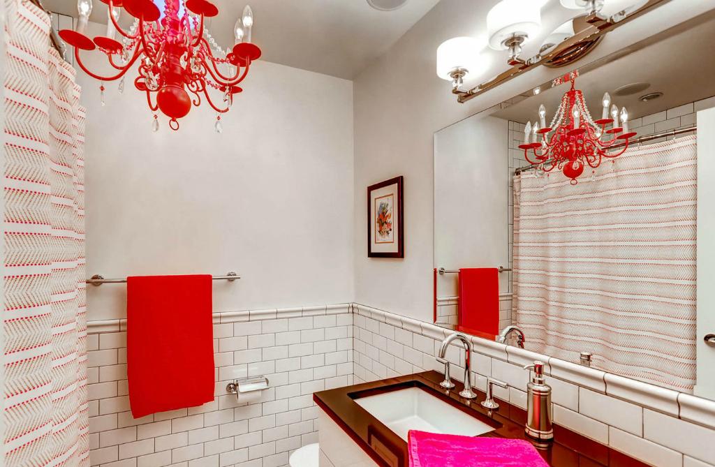 Olivia Kids Bathroom Crop