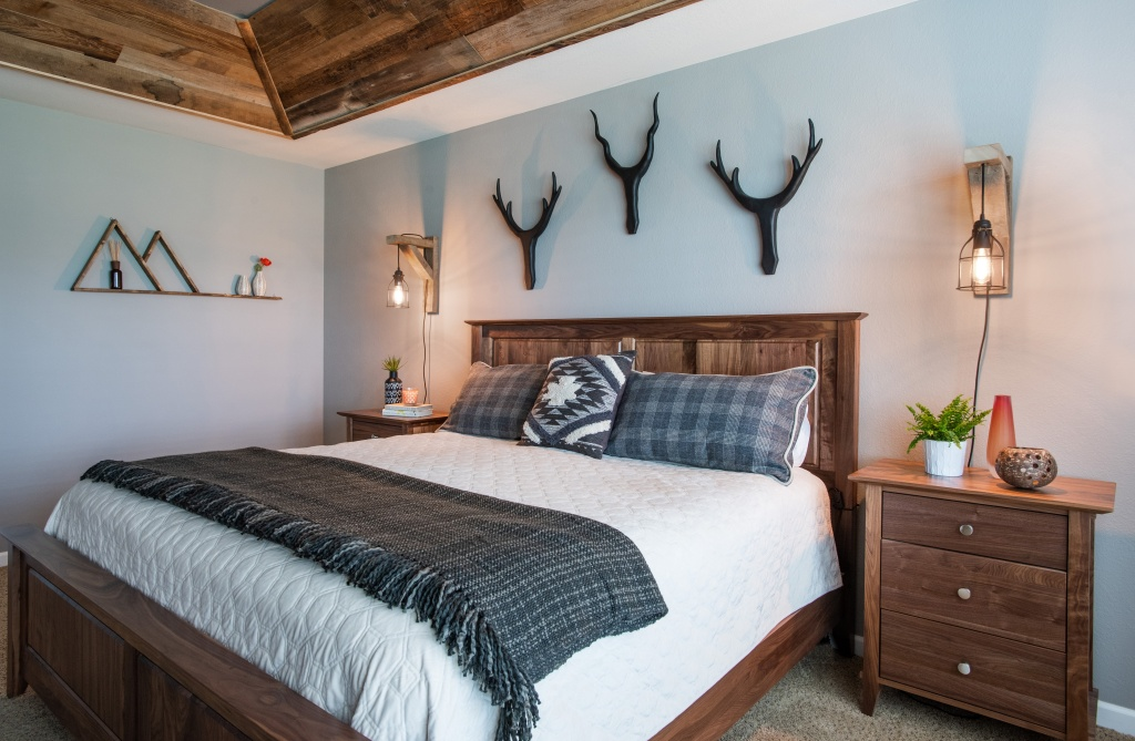 Mountain Chic Bedroom Bed Colorado
